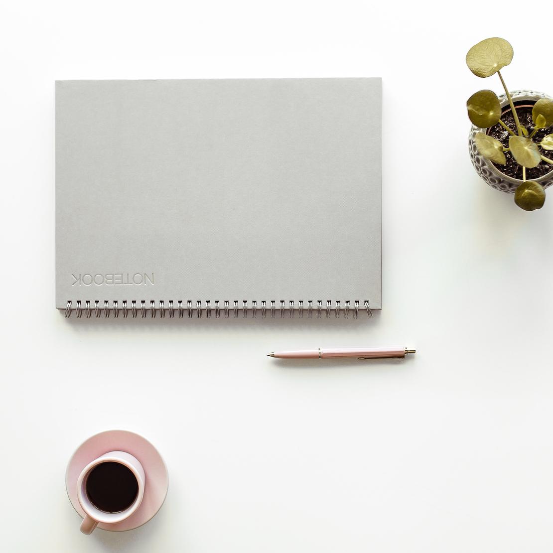 Oakhill kuvituskuva työpöydästä